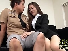 Hot Japanese Secretary Takes Advantage 1