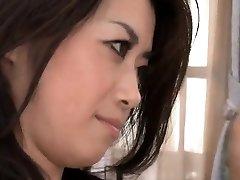 Sayuri Shiraishi rider en tjock hård kuk
