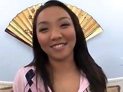 Casting de corte asiático teengirl