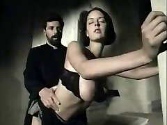 Italian vintage scene with a big-titted babe getting facial cumshot