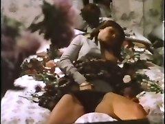 Highly Softcore Masturbation Scene