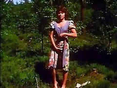 Retro - Woman masturbates outdoor