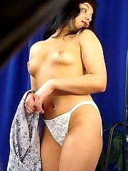 Spy cam catches nude kitty getting dressed