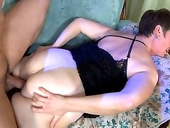 Randy mommy gives her big bubble butt to a young stud craving for hard anal