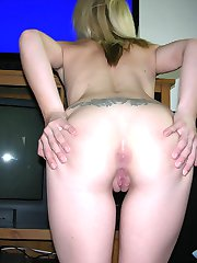 Amateur Blonde Girl Masturbating And Spreading Nude - Eryka Model