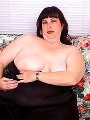 My fat wife shows her tits
