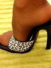 Stud jizzes on Maya's little feet