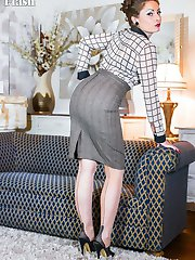 Sophia likes to get dressed in vintage lingerie, smart skirt and blouse, fully fashioned stockings and stiletto heels!