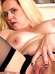Blonde mature slut getting wet