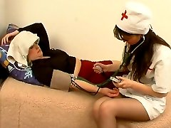 Raunchy girl going down on a red hot mature babe longing for some box lunch