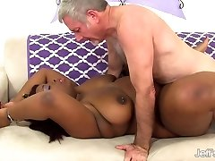 Black plumper Luna gets porked