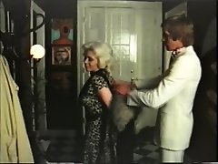Ash-blonde cougar has romp with gigolo - vintage