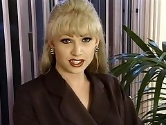 T-Girl Dominatrix-Fuckslut Brandy Scott
