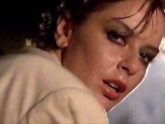 Scandalosa Gilda (1985) , وابسته به عشق شهوانی