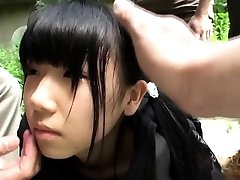 Weird japanese group play with splattering teen