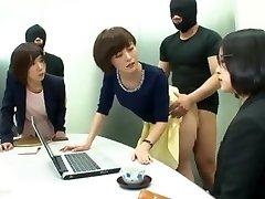 Japonijos Tarnybų Taisyklė! Kalbėti apie privilegijos!