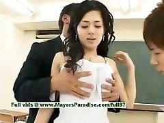 Sora Aoi nekaltas, seksualus, japonų studentas yra gauti pakliuvom klasėje