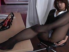 Asian Stocking Upskirt