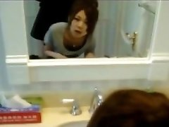 Korean Teen Girlfriend Quickie in Bathroom!