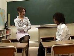 Asiatische Lehrerin Verführt Ihre Schülerin,Durch Blondelover.