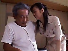 japanische Frau Witwe kümmert sich der Vater in law 2