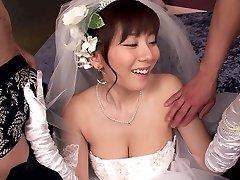 Hier Cums Die Braut