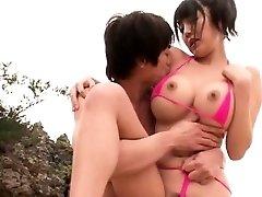 גדולה, ציצי יפנית דפק על החוף