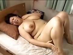 Japan good-sized handsome woman Mamma