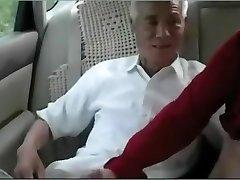 זקן סיני לזיין אישה בוגרת