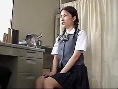 אסיאתית שרמוטה נדפקת חזק על ידי הרופא שלה רפואי סקס וידאו