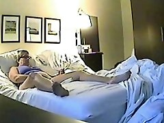 Hidden sex web cam filmed a horny minx jilling off