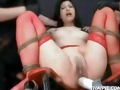 Asian In Strümpfen Gefesselt Orgasmus