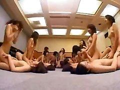 Asiatische Schulmädchen Lesben-Orgie