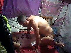 dedek najemnin kitajski muca