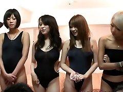 Japán fürdőruhás csajok az orgia