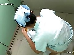 chinese girls go to rest room.45