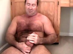 Carolina Jim musclebear daddy jackoff hairy chest cub