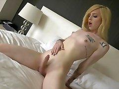 Ts Annabelle Lane super-cute towheaded, sexy feet, masturbation
