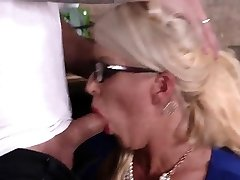 Vintage mummy milf and handjob first time My pal's step daught