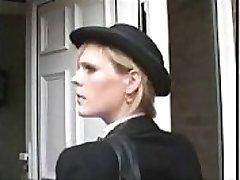 누가는 이 영국 경찰이 있습니까? 영국 손상된 여성 경찰을 얻을 잡았습니다. 가짜 cop