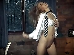 british school girl jednotné striptíz