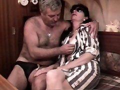Vintage fransk sex-video med en moden hårete par