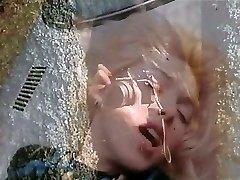 Marilyn Jess - Blond Krásy a Auto Hood (Gr-2)
