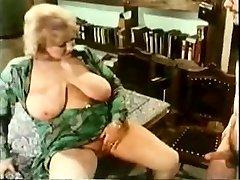 Vintage bbw slut enjoying hardcore hairy pussy tearing up