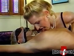Kinky dyke babes strapon fucking in sugary threesome