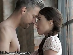 21Naturals Tiffany Doll Opens Donk for her Paramour