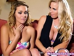 Glamour milf cumswapping with teenage beauty