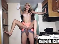 Mofos - Project RV - Limber Spinner Gives Oral Pleasure starring