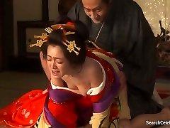 Yumi Adachi - Courtesan S Cvetovi Kože
