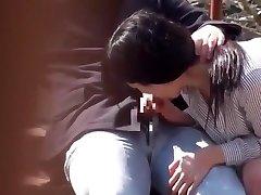Japonaise baise en plein air